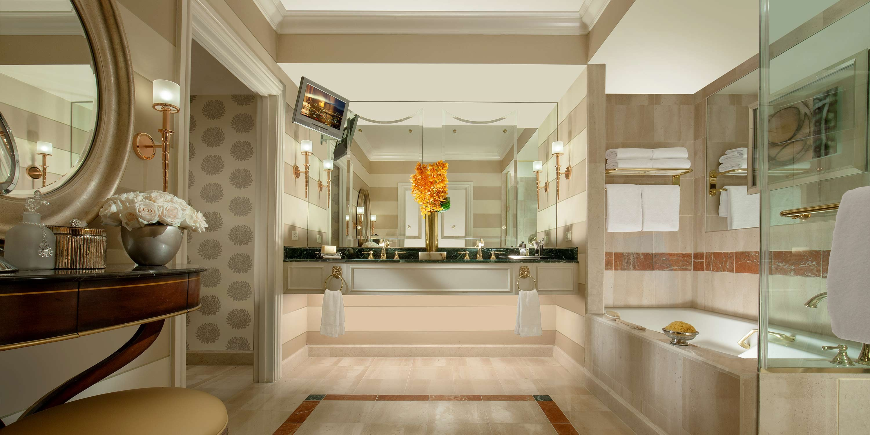 En Suite Bathrooms At The Cancun Resort In Las Vegas: Hotel Toiletries Manufacturers In Delhi And Hotel